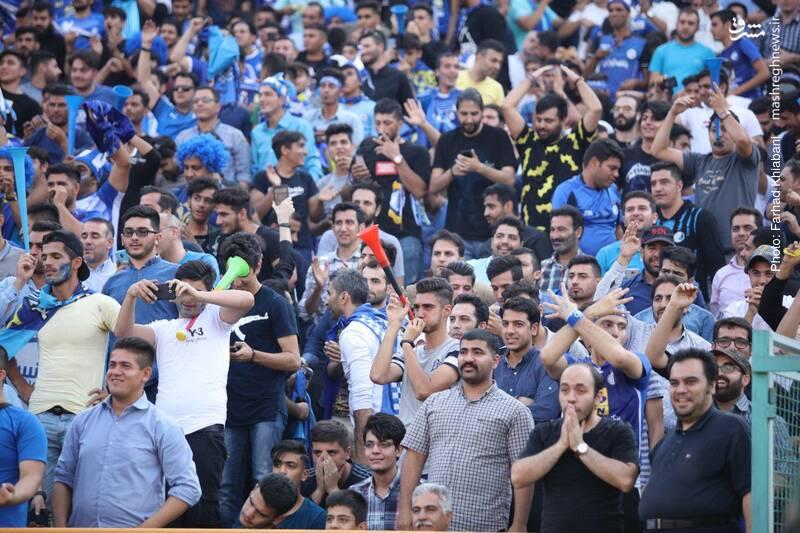 عکس/ واکنش هواداران استقلال بعد از پنالتی